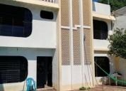En venta y renta casa de 6 recamaras con alberca en acapulco 300 m2