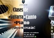 Clases de canto, piano y guitarra.