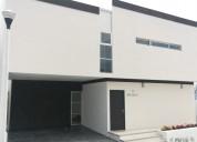 Rento casa nueva privadas mercedes