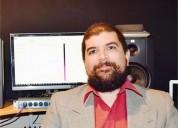 Maestro en musica especializado en composicion de musica academica y musica popular contemporanea en