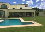 Hermosa casa residencial en venta al norte de merida montebello 3 dormitorios 1250 m2
