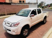 Toyota hilux factura de agencia todo pagado 2018 gasolina 96000 kms manual