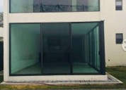 Moderna residencia en fraccionamiento