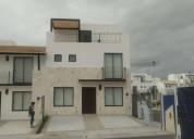 Renta casa nueva en el refugio 4 dormitorios