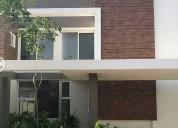 Renta casa en exclusiva privada altozano meri 3 dormitorios
