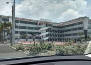 Plaza con locales y oficinas nuevas 3.800 m² m2