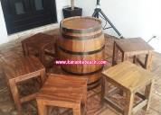 renta de mesas de barrica y bancos madera vintage
