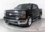 Chevrolet silverado 2014 de color negro
