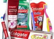 Trabaja empacando pasta dental desde su hogar