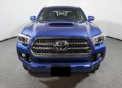 Toyota tacoma aÑo 2016 color azul