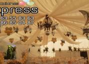 Decoraciones con globos y telas llenas de color