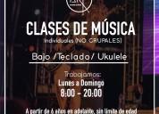 Academia de música arp. ukulele bajo, teclado
