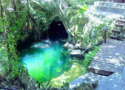 Vendo o rento preciosa villa con cenote privado.