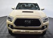 Toyota tacoma 2017 color beige