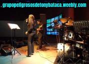 Acapulco-tecladista y cantante femenina-excelente