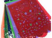 Banderines de papel y plastico picado