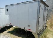 Caja seca con copete para camioneta de 3.5 ton.